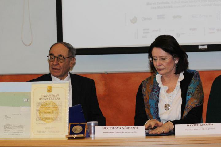 J.E. Yaakov Levy, Miroslava Němcová